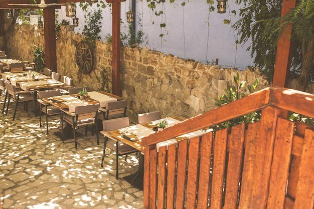 Morska restauracja na bałkanach