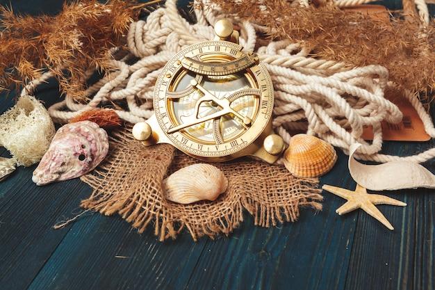 Morskie lina żeglarska z kompasem