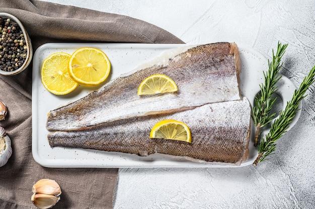 Morszczuk biały surowy filet z ryby