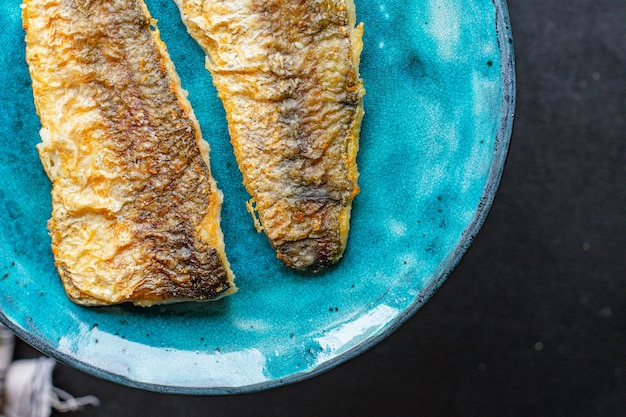 Morszczuk ryby smażone świeże owoce morza drugie danie grillowa dieta pescetariańska