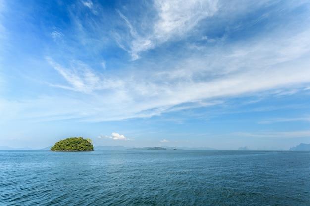 Morze tropikalne. wakacje.