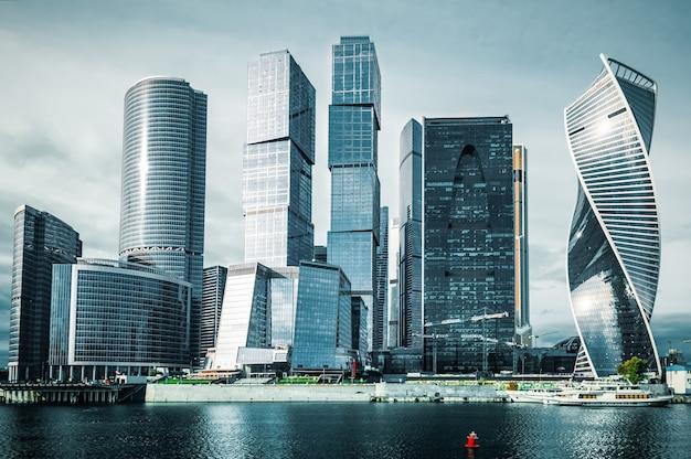 Moskwa. międzynarodowe centrum biznesowe w moskwie, rosja.
