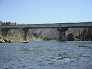 Most kolejowy na potężnej missouri