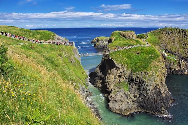 Most linowy carrick-a-rede, irlandia północna, wielka brytania