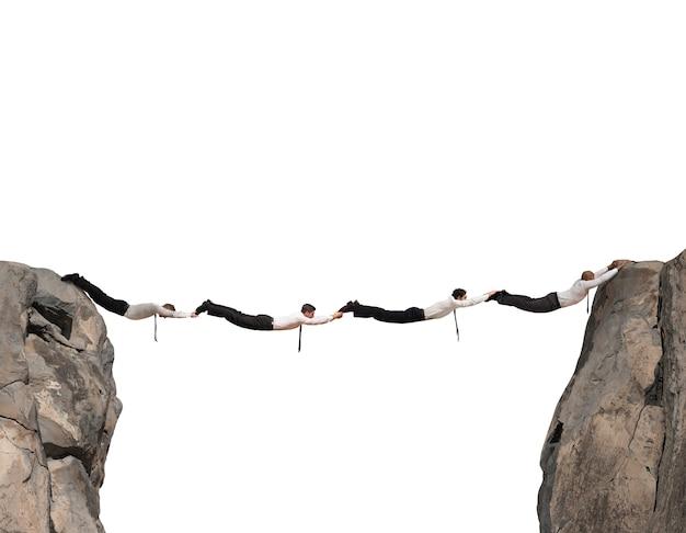 Most osób łączących dwa odległe punkty