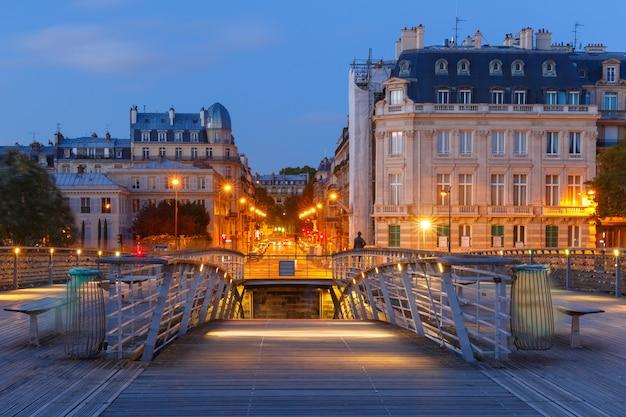 Most passerelle solferino, paryż, francja