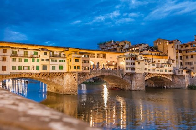Most ponte vecchio nocą
