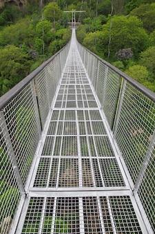 Most w górach kaukazu, armenia