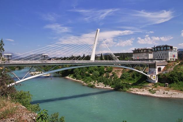 Most w mieście podgorica, czarnogóra