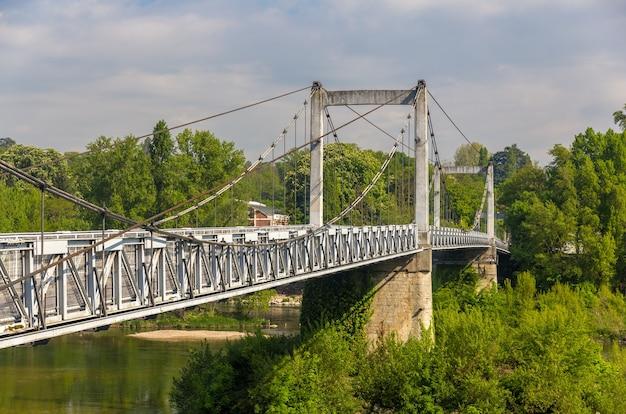 Most wantowy w tours - francja, centrum regionu