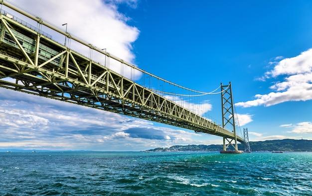 Most wiszący akashi kaikyo w kobe, japonia