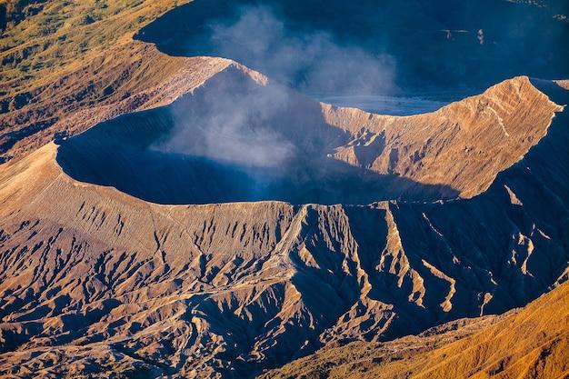 Mount bromo wulkan (gunung bromo) w east java