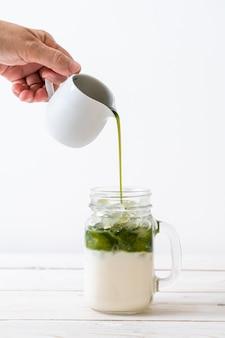 Mrożona latte matcha zielona herbata