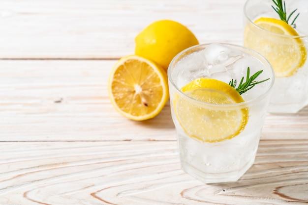 Mrożona lemoniada sodowa