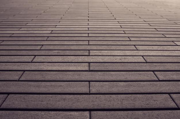 Mur z cegły brązowy