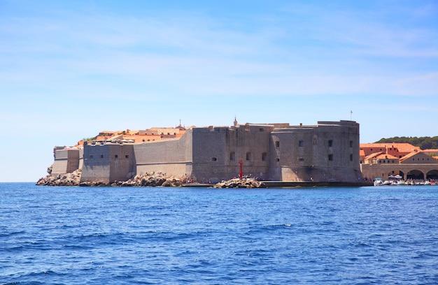Mury miejskie starego miasta dubrownika, chorwacja