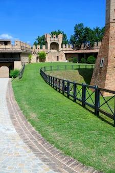 Mury miejskie w gradara