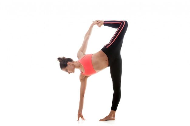 Muskularny dziewczynka szkolenia