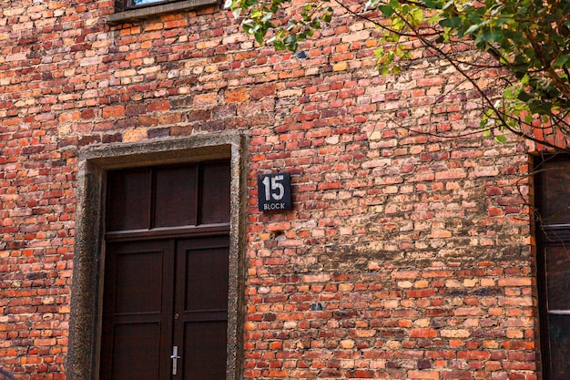 Muzeum nazistowskiego obozu koncentracyjnego auschwitz-birkenau w polsce. więzienie żydowskie auschwitz oświęcim w okupowanej polsce podczas ii wojny światowej i holokaustu.