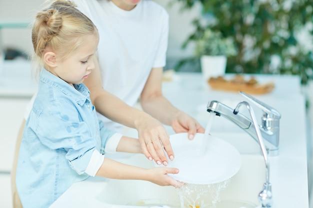 Myć naczynia