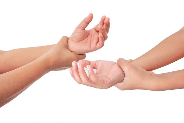 Mycie dłoni żelem do dezynfekcji alkoholu w celu ochrony infekcji przed wirusem covid-19, zabijanie zarazków, zapobieganie infekcji.