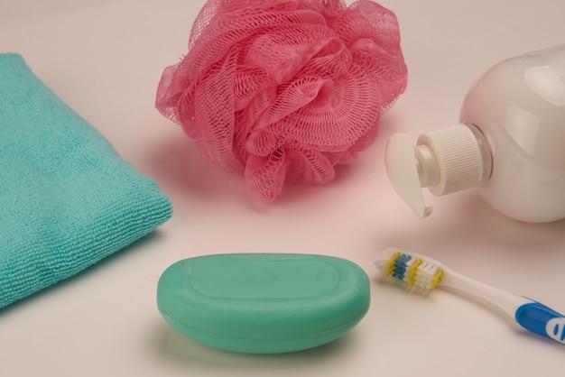 Mydło szczoteczka do zębów higiena zdrowie artykuły łazienkowe. zdjęcie wysokiej jakości