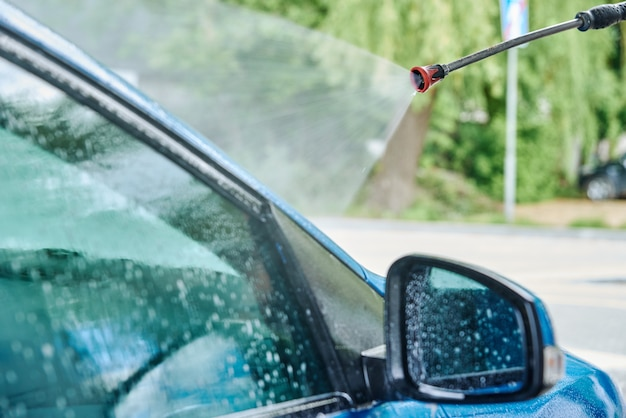 Myjnia samochodowa czyszczenie samochodu bezdotykowego