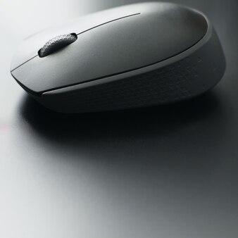 Mysz komputerowa na laptopie
