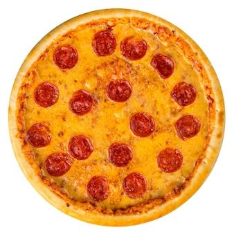 Na białym tle pizza peperoni