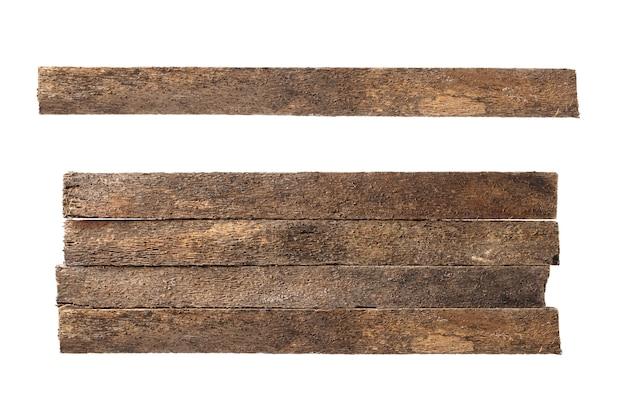 Na białym tle stara deska do drewna. drewniane belki. tarcica z drewna dipterocarpus. twórz ze ścieżkami przycinającymi