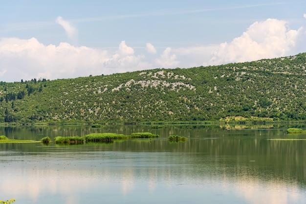 Na południu bośni i hercegowiny znajduje się malowniczy park przyrody hutovo.