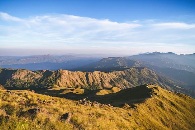 Na szczycie góry mulayit znajduje się nowe popularne miejsce przyciągania turystów