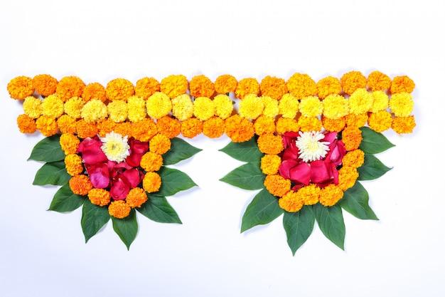 Nagietek kwiat rangoli projekt dla diwali festival, dekoracja kwiatowa indian festival