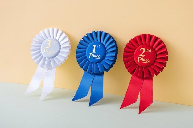 Nagrody i wyróżnienia dla najlepszych zwycięzców i mistrzów za sukces i bramkę. koncepcja sukcesu.