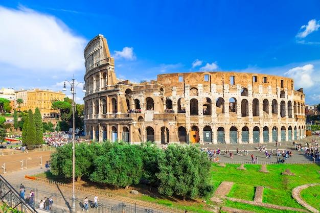 Najbardziej znana arena na świecie - wielkie starożytne koloseum w rzymie