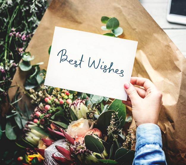 Najlepsze życzenia z życzeniami z bukietem kwiatów