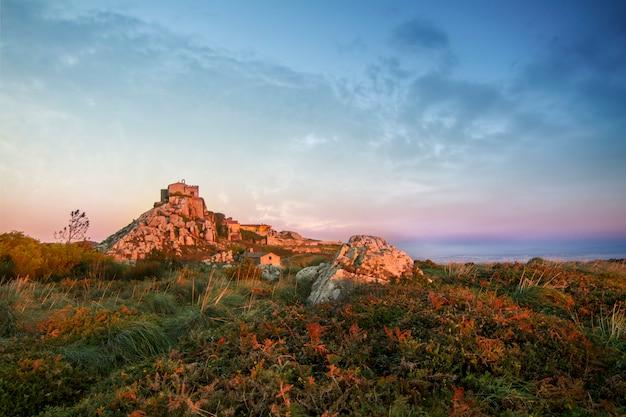 Najwyższy punkt widzenia regionu sintra, santuario da peninha, portugalia.
