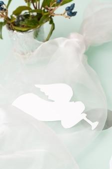 Nakrycie stołu z aniołem