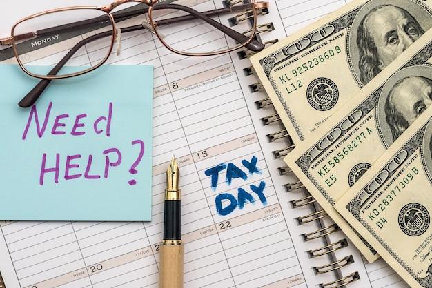 Nam pieniądze z formularzem podatkowym. koncepcja podatkowa