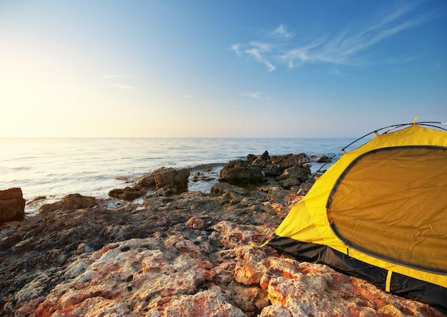Namiot nad morzem