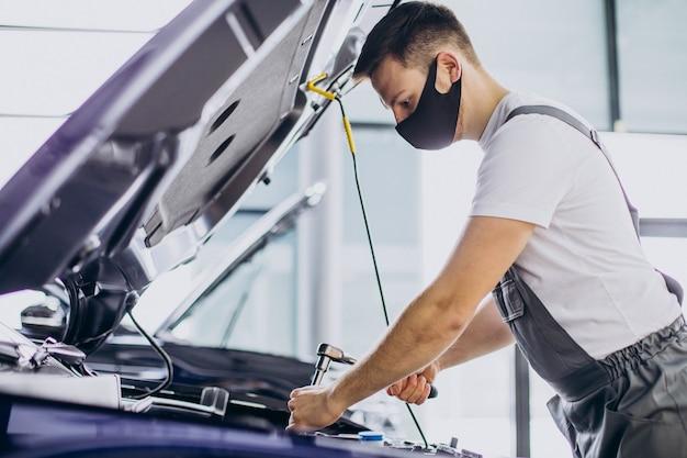 Naprawa serwisu samochodowego