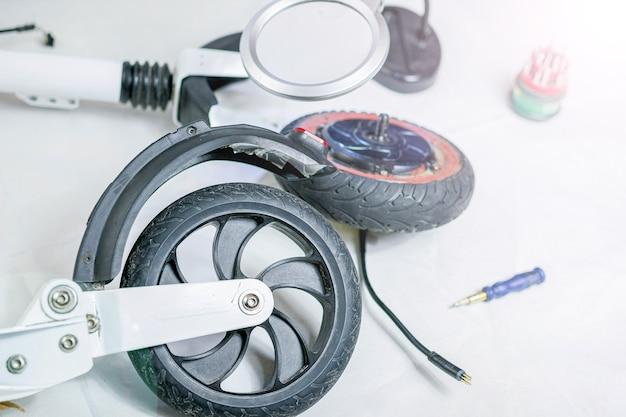 Naprawa silników elektrycznych koło do skutera elektrycznego ekologiczna naprawa pojazdów elektrycznych,