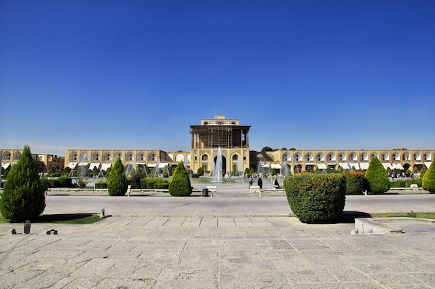 Naqsh-e jahan square w isfahanie, iran. meidan emam.