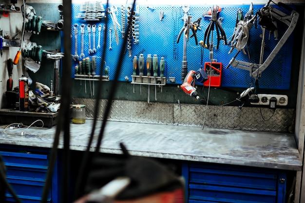 Narzędzia diy w warsztacie