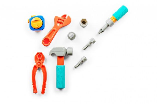 Narzędzia dla dzieci na białym tle