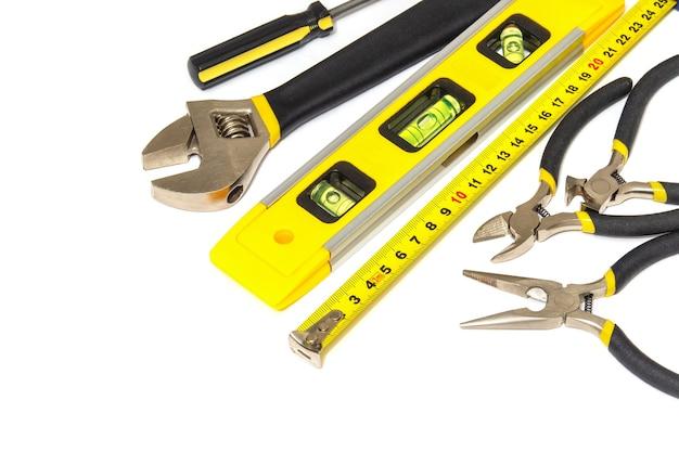 Narzędzia dla głównego konstruktora na białym tle