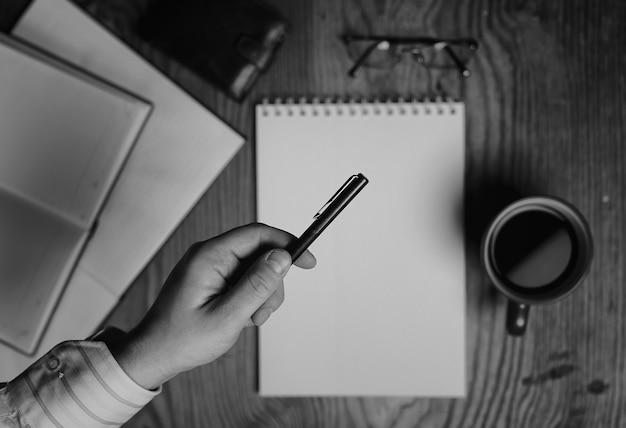 Narzędzia do pisania monochromatycznego papieru do notebooków