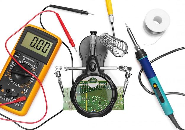 Narzędzia do zastosowania w naprawie elektroniki