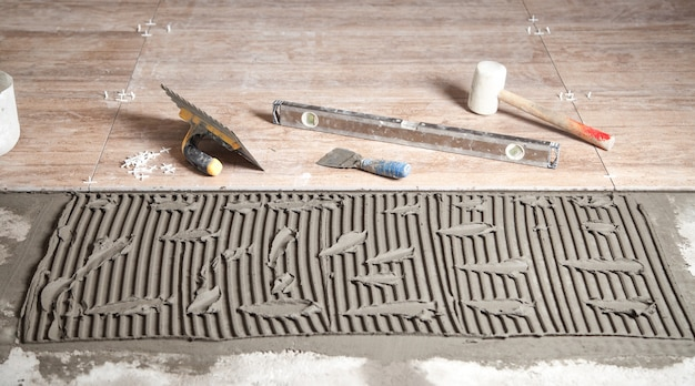 Narzędzia z płytką ceramiczną