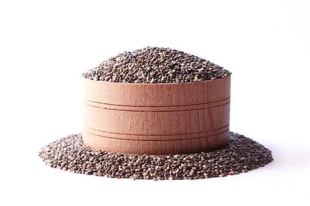 Nasiona chia na białym tle zbliżeniu. suplement diety, pożywienie. zdjęcie wysokiej jakości